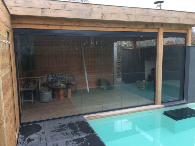 Beglazing Poolhouse Acht